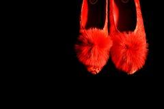 Sapatas da noiva vermelha do chinês tradicional Imagens de Stock