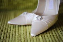 Sapatas das noivas Fotografia de Stock Royalty Free