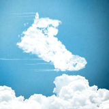 Sapatas de basquetebol feitas das nuvens Fotografia de Stock Royalty Free