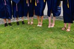 Sapatas de graduar a High School galões Fotografia de Stock