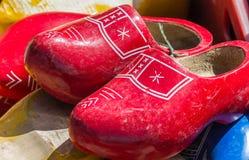Sapatas de madeira vermelhas Imagem de Stock Royalty Free