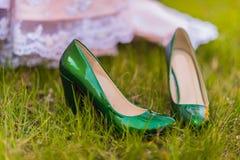 Sapatas do casamento da noiva Imagem de Stock