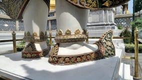 Sapatas do demônio gigante que guardam uma entrada a Wat Phra Kaew Foto de Stock