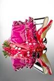 Sapatas e bolsa cor-de-rosa imagens de stock