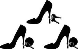 Sapatas e chaves das mulheres ilustração stock