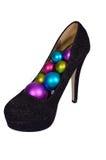 Sapatas fêmeas pretas com as bolas coloridas Natal Imagens de Stock Royalty Free