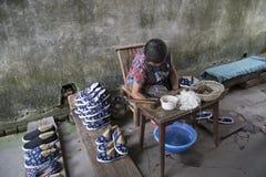 Sapatas feitos a mão de pano Fotografia de Stock