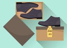 Sapatas masculinas modernas à moda na caixa, vista lateral Venda com um disconto de 50 por cento Calçados casuais do homem s Ilus Fotos de Stock Royalty Free