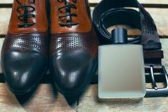Sapatas, perfume e correia Imagem de Stock Royalty Free