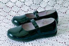 Sapatas pretas de Mary Jane da criança Fotos de Stock Royalty Free
