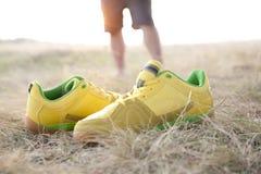 Sapatilhas amarelas Imagens de Stock