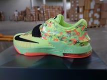 Sapatilhas do basquetebol de Nike fotografia de stock
