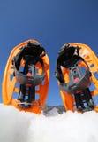 Sapatos de neve modernos na montanha Fotografia de Stock Royalty Free