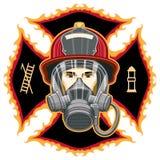 Sapeur-pompier avec le masque sur la croix Photographie stock libre de droits