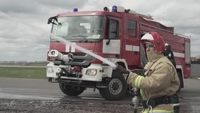 Sapeur-pompier With Water Hose clips vidéos