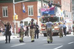Sapeurs-pompiers au Gay Pride capital 2017 d'Ottawa images stock