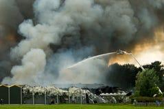 sapeurs-pompiers d'action photographie stock