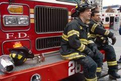 Sapeurs-pompiers de FDNY en service, New York City, Etats-Unis images stock