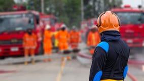 Sapeurs-pompiers de surveillants photographie stock