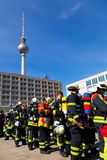 Sapeurs-pompiers en concurrence, Berlin Image stock