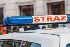 Sapeurs-pompiers polonais de signe sur le véhicule photos libres de droits