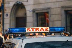 Sapeurs-pompiers polonais de signe sur le véhicule photo stock