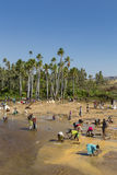 Saphirforscher in Madagaskar Stockfotografie