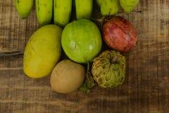 Sapodilla της ζάχαρη-Apple γκοϋαβών μπανάνα Marakuya μάγκο Στοκ εικόνες με δικαίωμα ελεύθερης χρήσης