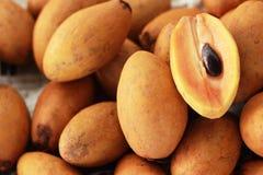 Sapodillafruit in de markt royalty-vrije stock foto