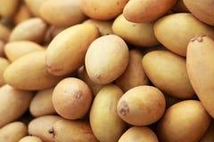 Sapodillafruit in de markt stock afbeelding