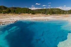 Sapphire Pool på den ljusbruna handfatet fotografering för bildbyråer