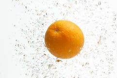 Sappig oranje en zoet water. stock fotografie