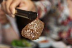 Sappig stuk van marmergrillrundvlees Royalty-vrije Stock Afbeeldingen