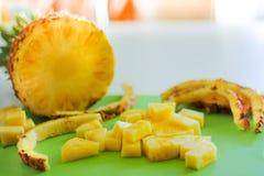 Sappige, mooie ananas Tropisch Fruit heerlijk vegetarisch de zomervoedsel stock afbeelding