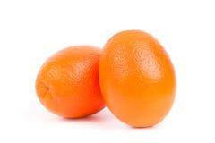 Sappige sinaasappelen op een witte achtergrond Royalty-vrije Stock Foto's