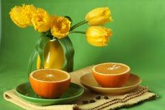 Sappige sinaasappelen voor ontbijt Royalty-vrije Stock Afbeelding