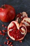 Sappige, verse granaatappels Royalty-vrije Stock Afbeeldingen