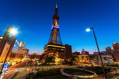 Sapporo Fernsehturm in der Dämmerung, Hokkaido Stockfotografie