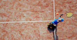 Saque aéreo do tênis imagem de stock royalty free