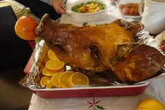 Saque principal de Lechon do porco para o Natal Eve Celebration imagens de stock royalty free