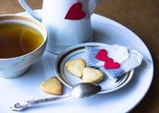 Saquinhos de chá com coração Pequeno almoço Foto de Stock
