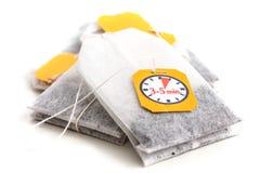 Saquinhos de chá etiquetados com corda Foto de Stock