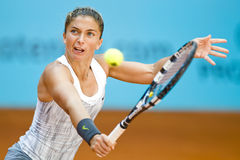 Sara Errani na ação durante o tênis de Mutua do Madri aberto Imagens de Stock