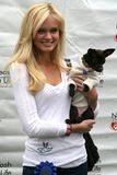 """Sara Paxton. At the 6th Annual """"Nuts For Mutts"""" Dog Show and Pet Fair. Pierce College, Woodland Hills, CA. 04-22-07 Stock Photo"""