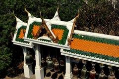 Saraburi, Thailand: Klokpaviljoen in Wat Phra Phutthabat stock afbeelding