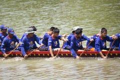 SARABURI, THAILAND - 29. SEPTEMBER: Nicht identifizierte Mannschaft im traditi Lizenzfreies Stockfoto
