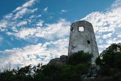 Saracen πύργος στην Ιταλία στην ακτή Sardina Στοκ Εικόνες