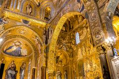 Saracen arches and Byzantine mosaics within Palatine Chapel of the Royal Palace in Palermo Royalty Free Stock Photos