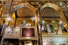 Saracen arches and Byzantine mosaics within Palatine Chapel of the Royal Palace in Palermo Stock Photos