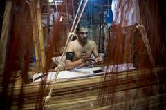 Sarafat Khan Sadhin 46 anos um trabalhador de Benarashi Palli imagens de stock